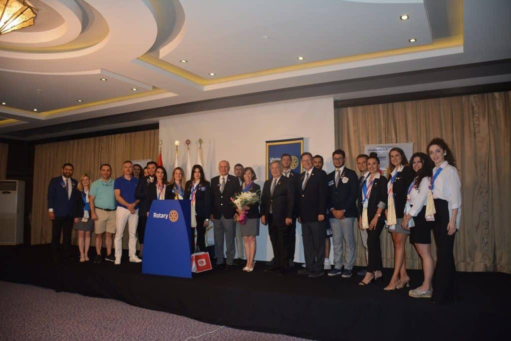 Rotary 2440. Bölge Rotary ve Rotaract Asamblesi ve Bayrak Töreni Online Olarak Gerçekleşti