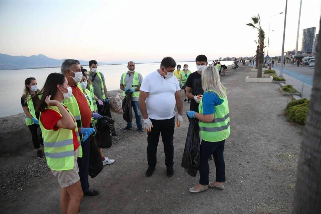 Bostanlı Rotary Kulübü Kıyı Temizliği Gerçekleştirdi